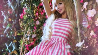 【超絶美少女】ロシアのリアルバービー「アンジェリカ・ケノバ」