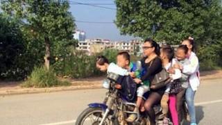 母は強し!中国の7人乗りバイク