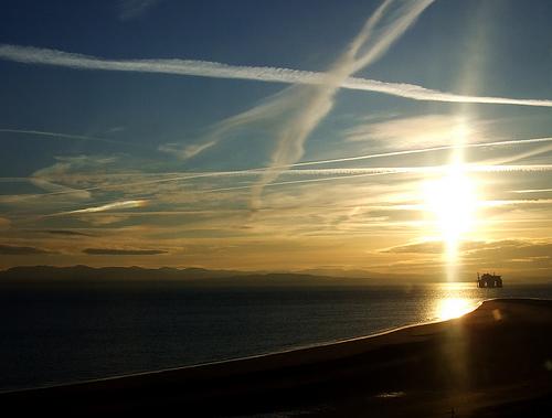アリゾナ州上空から降り注いできた謎の繊維!政府の人類削減計画か!?=米国